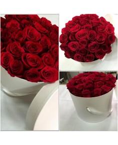 Цветы в шляпной коробке